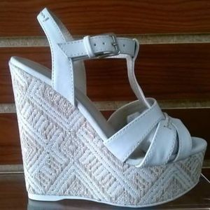 New White with Beige Pattern Wedges